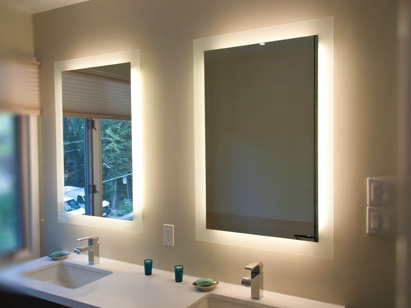 Lighted Mirror Lumidesign