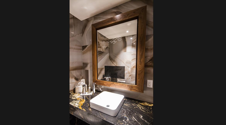 Custom Backlit Mirrors Lumidesign